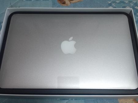 MacBook Air箱を開けると・・・