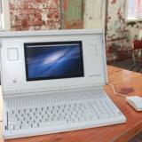 Macintosh PortableでOS Xが動いている