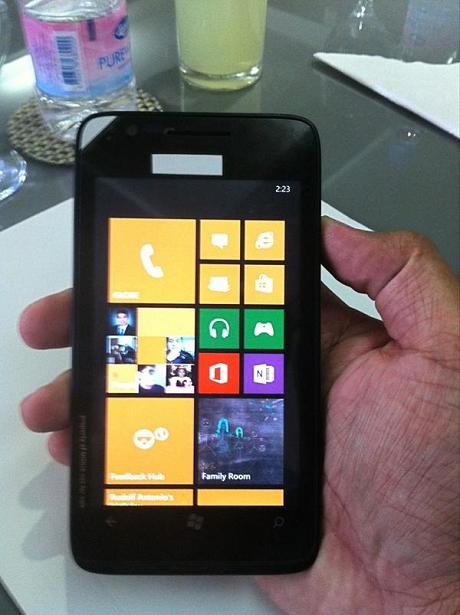 Nokiaの新しいWindows Phone 8端末!?
