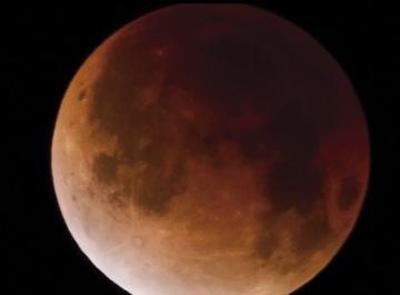 4月15日に「赤い月」が見れる!