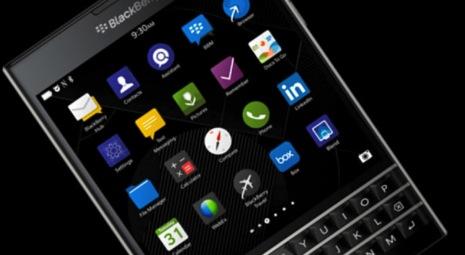 正方形型のスマホ「BlackBerry Passport」の試用ムービー
