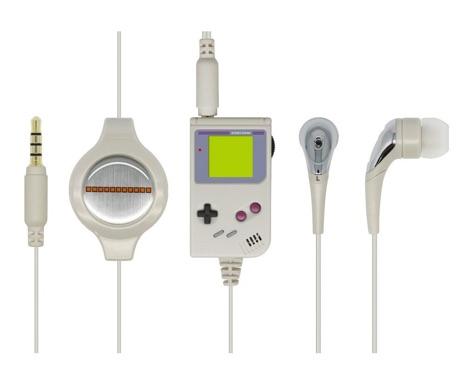 リモコン部分がゲームボーイ風デザインのイヤフォン「レトロGBイヤホンマイク」