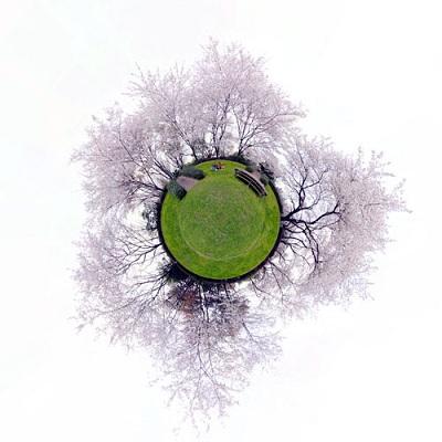 パノラマ写真からできる「小さな惑星」