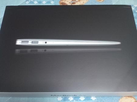 MacBook Air 11インチモデル レビュー [外観編]